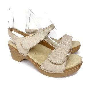Dansko Clog Platform Sandals Size 38 Gold Metallic